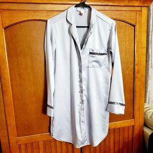 ⭐ Victoria Secret silky silver robe.